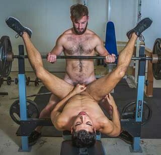 Brett Dylan with another muscle stud, but ends up being the bottom bitch! I like to go somewhere warm when winter arrives. I hate cold weather.